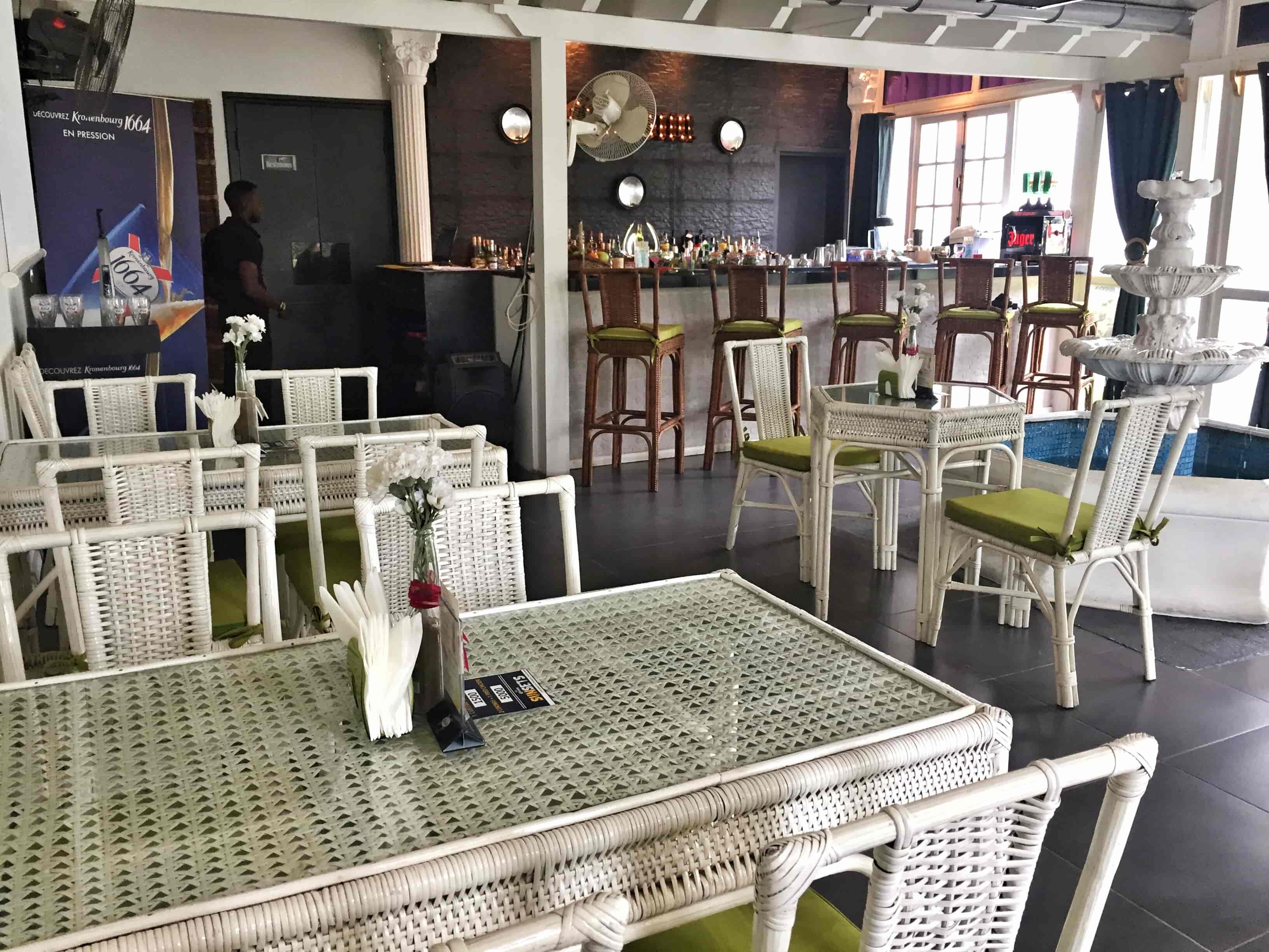 Lynk Garden Café
