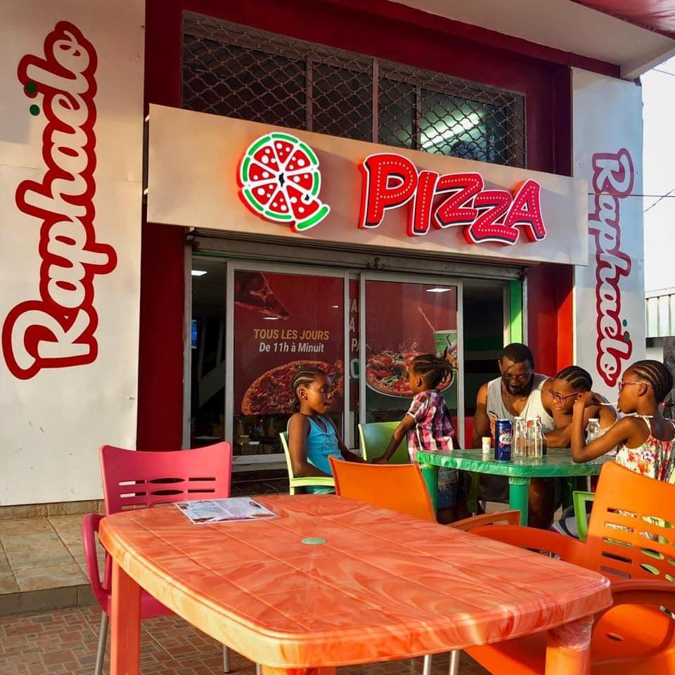 Raphaelo Pizza