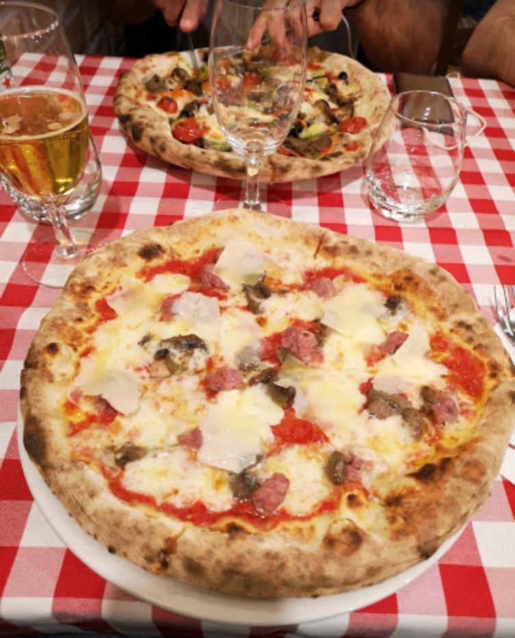 La Pizzeria